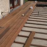 Houten terras aanleggen hovenier gigant - Bedek een houten terras ...