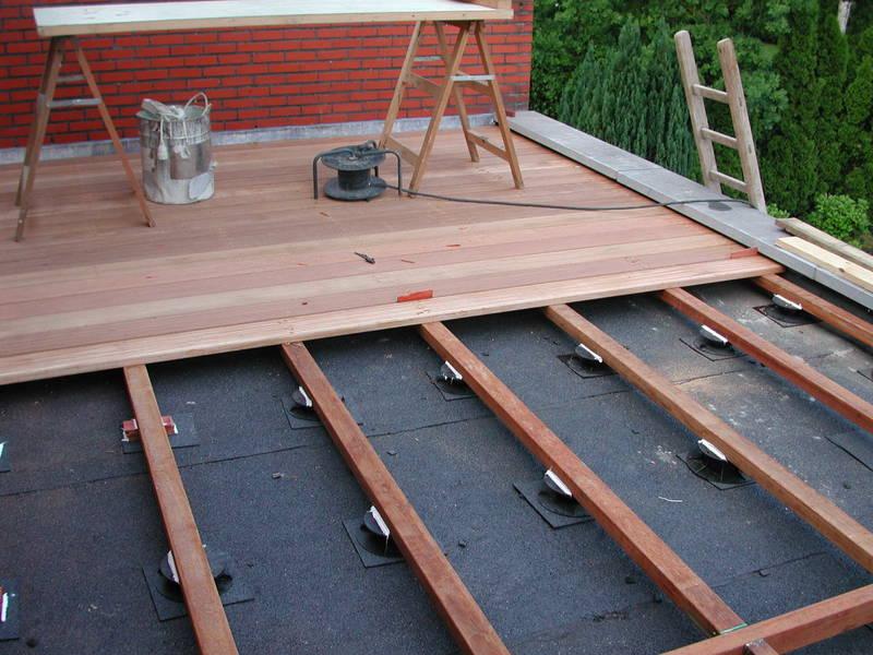 terras-aanleggen-van-hout